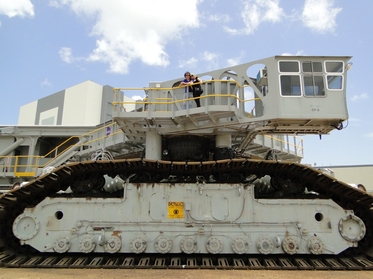 NASA Crawler Transport Model (page 5) - Pics about space